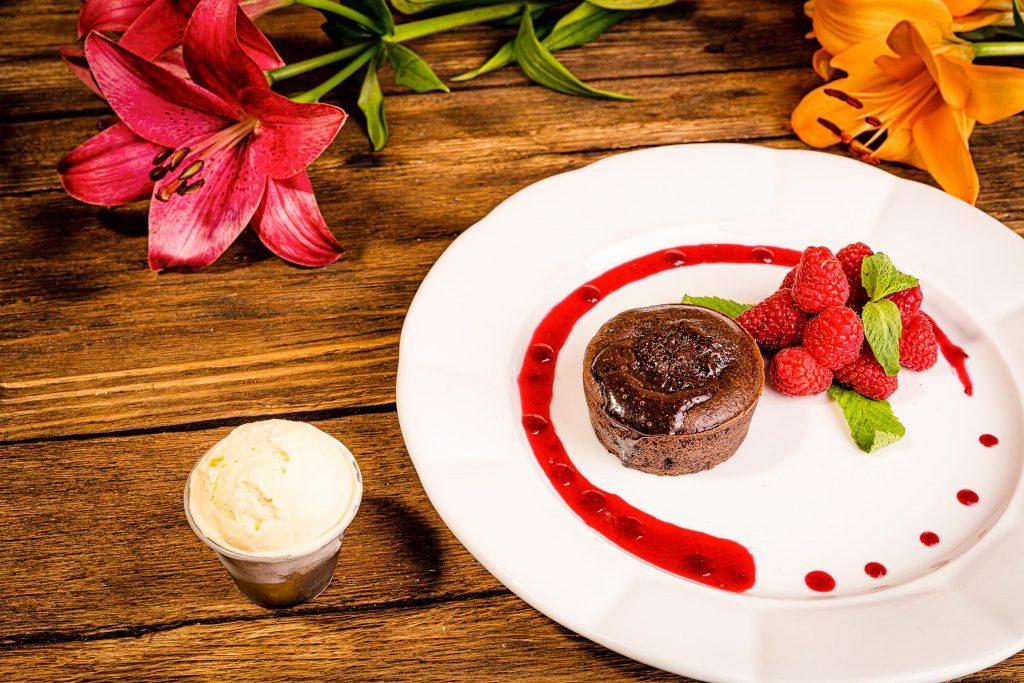 restauracia-u-richtara-nove-menu-lavacake-1024x683