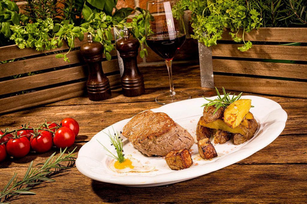 restauracia-u-richtara-nove-menu-steak-1024x683